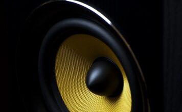 Jakie wyróżniamy rodzaje kolumn głośnikowych